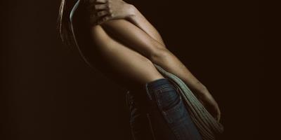 Charne Esterhuizen shot by NOMAD PHOTOGRAPHY with Profoto d1
